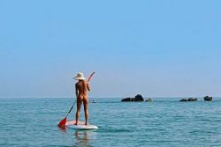 Stand up paddle surfing @Bagheera